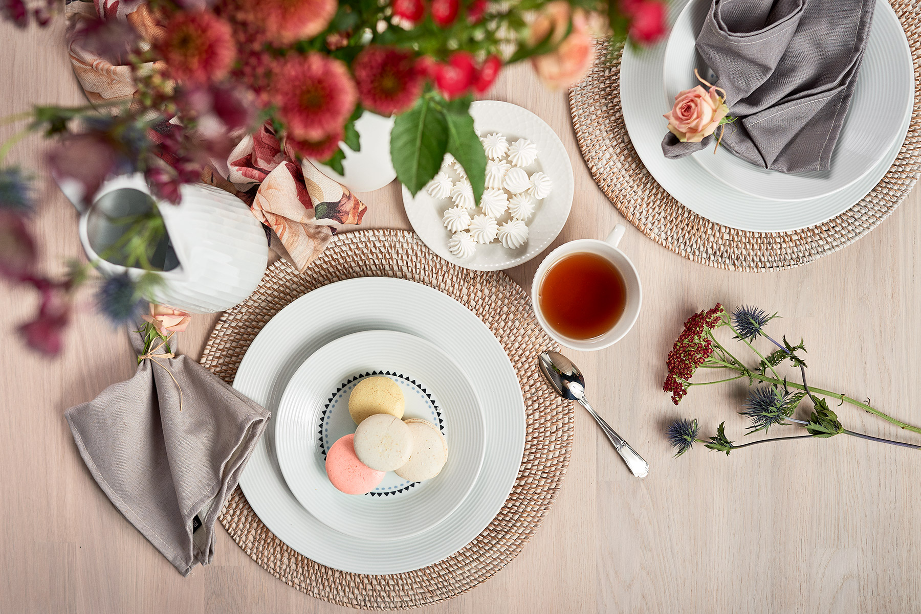 Súprava porcelánového riadu na čaj